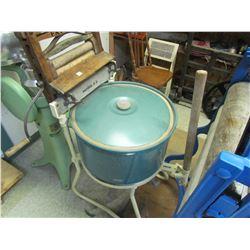 metal washer c/w wood wringer