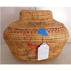 Lidded Eskimo Basket w/Figures