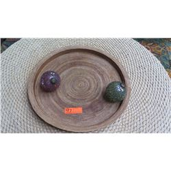 Round Woven Reed Tray with 2 Glass Ornaments