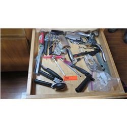Entire Drawer Kitchen Utensils (Can Opener, CheeseGrater, Cork Screw, Tea Strainer, etc.)