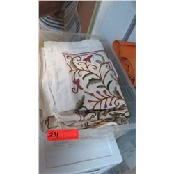 Queen Duvet Cover & 4 Pillow Shams