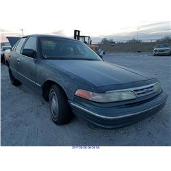 1996 - FORD CROWN VICTORIA // SALVAGE