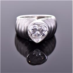 18k White Gold Plated Ring With Heart Shaped Cryst