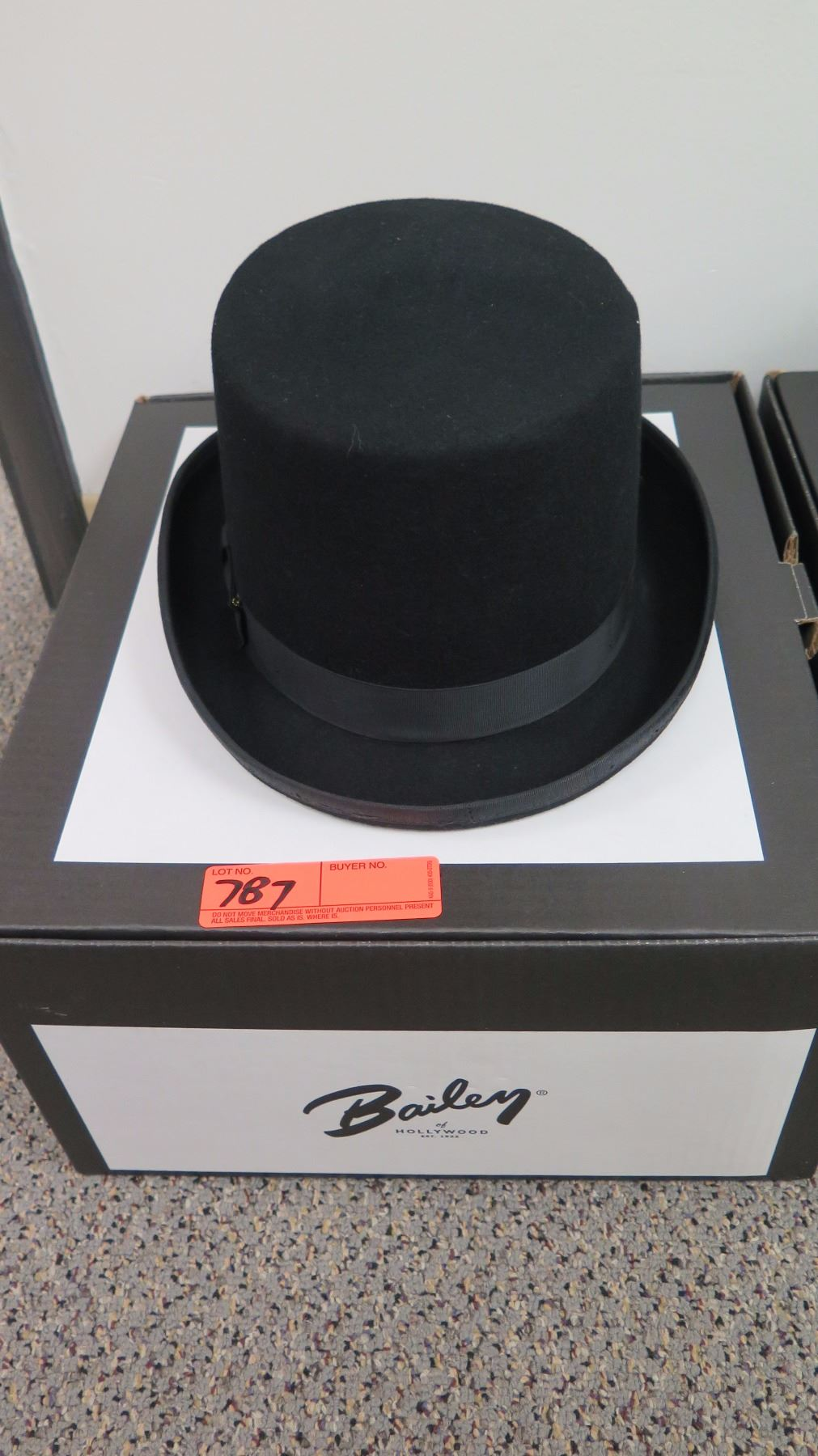 40faa579 Image 1 : Black Bailey Tophat by New York Hat CO ...