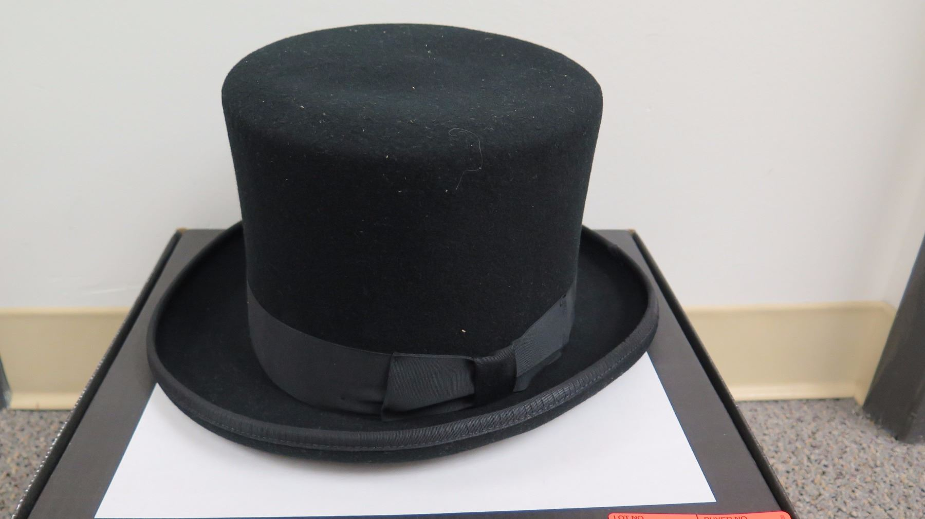 63abc22c ... Image 2 : Black Bailey Tophat by New York Hat CO ...
