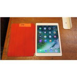 iPad Model MF019LL/A w/128 GB RAM, 4G LTE
