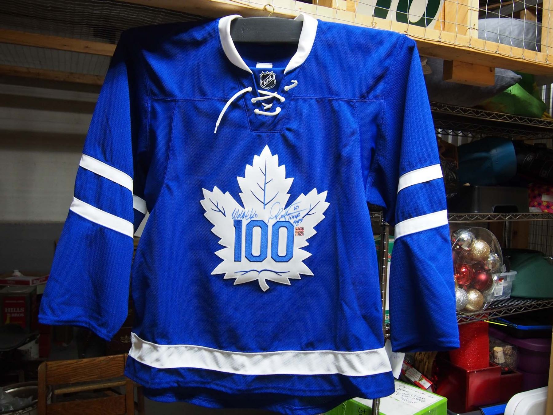 d04a0d1f1fb ... Image 2   Toronto Maple Leafs 100 Signed Framed Jersey (32