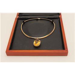 Rare Estate piece 'made in Italy' 14 karat  yellow gold ladies designer neckpiece finely  set with v