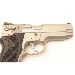 """Smith & Wesson Model 4006 DA semi-automatic  pistol, .40 S&W caliber, 4"""" barrel,  stainless, checker"""