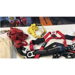 2 Roofing  harnesses and bag of rope 2 anchors