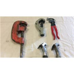 "2 ""Rigid"" pipe cutters , 4 total"