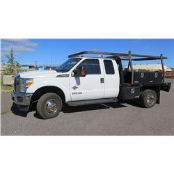 2015 Ford F350 Service Truck, Power Stroke 6.5 Turbo Diesel, 5th Wheel, Job Boxes, Rack, Diesel Tank