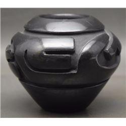 SANTA CLARA POTTERY JAR (MARTINEZ)