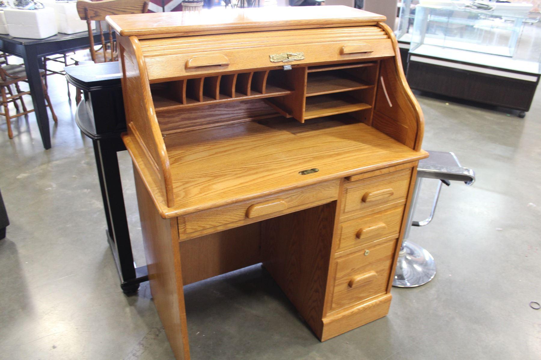 Winners Only Oak Rolltop Desk