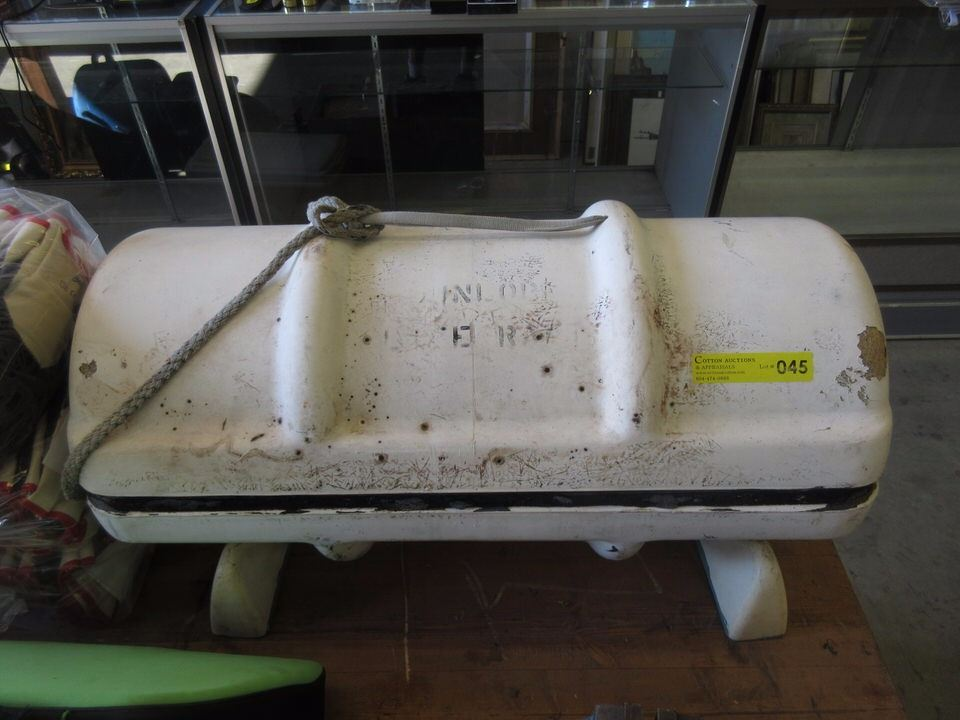 Dunlop 4 Person Seamaster Life Raft