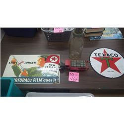 1 COLLECTIBLE OIL JAR AND 2 TEXACO PORCELAIN SIGNS (ANDE ROONEY REPRO USA) PLUS TEXACO KENWORTH META