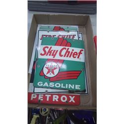 TRAY WITH PORCELAIN SIGNS OF TEXACO FIRE CHIEF AND TEXACO SKY CHIEF GASOLINE 1960'S