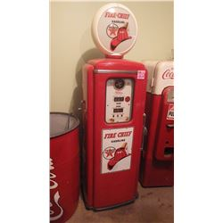 TEXACO FIRE CHIEF GAS PUMP WITH GLOBE MADE BY TOKHEIM. THIS IS AN EXCELLENT PIECE IN ORIGINAL CONDIT