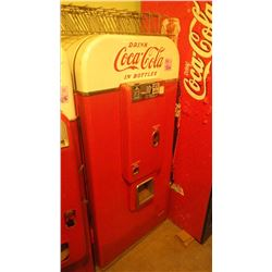 COCA COLA VENDO 80 COIN OPERATED COKE BOTTLE DISPENSER WITH SIDE RACKS IN BEAUTIFUL COSMETIC CONDITI