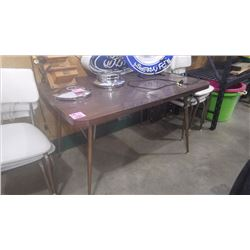 RETRO CHROME TABLE WITH 6 CHAIRS