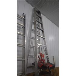 ALUMINUM 12' STEP LADDER