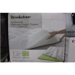 BROOKSTONE BIOSENSE MEMORY FOAM MATTRESS TOPPER KING SIZE