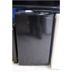 INSIGNIA BLACK BAR FRIDGE