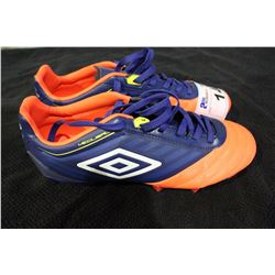 UMBRO CLEATS SIZE 10.5