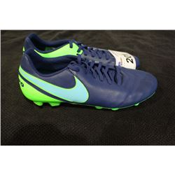PAIR OF NIKE CLEATS SIZE 10