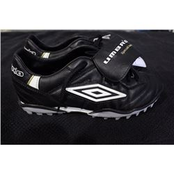 PAIR OF UMBRO CLEATS SIZE 8