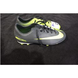 PAIR OF NIKE CLEATS SIZE 5
