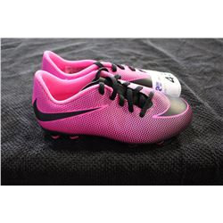NIKE CLEATS SIZE 2