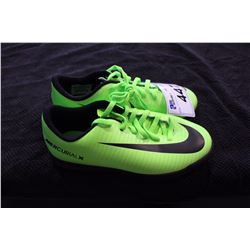 NIKE CLEATS 4Y