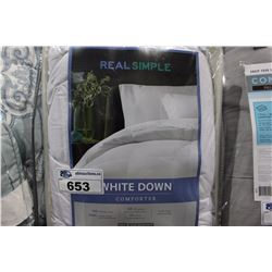 WHITE DOWN COMFORTER QUEEN SIZE