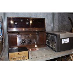 THREE VINTAGE RADIOS, STEREO