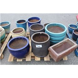 PALLET OF VIETNAMESE GLAZED POTS