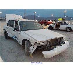 2010 - FORD CROWN VICTORIA // SALVAGE TITLE