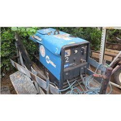 Miller Trailblazer 302 Welder (welder & trailer damaged, welder works)