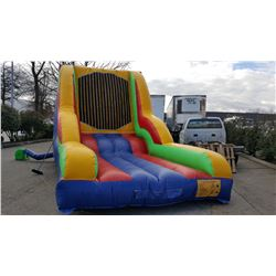 INFLATABLE VELCRO WALL WITH PUMP AND 4 VELCRO SUITS 2 KIDS SIZE 2 ADULT SIZE (MEASURES 18' X 13' X