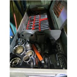 TRAY OF IMPACT SOCKETS/SOCKETS/RATCHETS AND EXTENSIONS