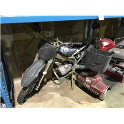 DIRT BIKE FOR PARTS OR REPAIR (NO KEY NO REGISTRATION)