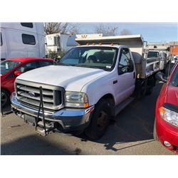 2004 FORD F350 DUMP TRUCK, WHITE, GAS, AUTOMATIC, VIN#1FDWF36L44EA24382, 139,487KMS, RD,AC, SLATER