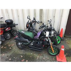 4 GAS SCOOTERS FOR PARTS OR REPAIR (NO REGISTRATION)