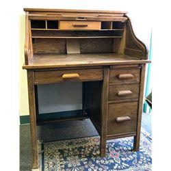 Roll Top Desk (Oak)