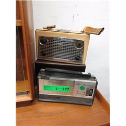 2 Vintage Portable Radio