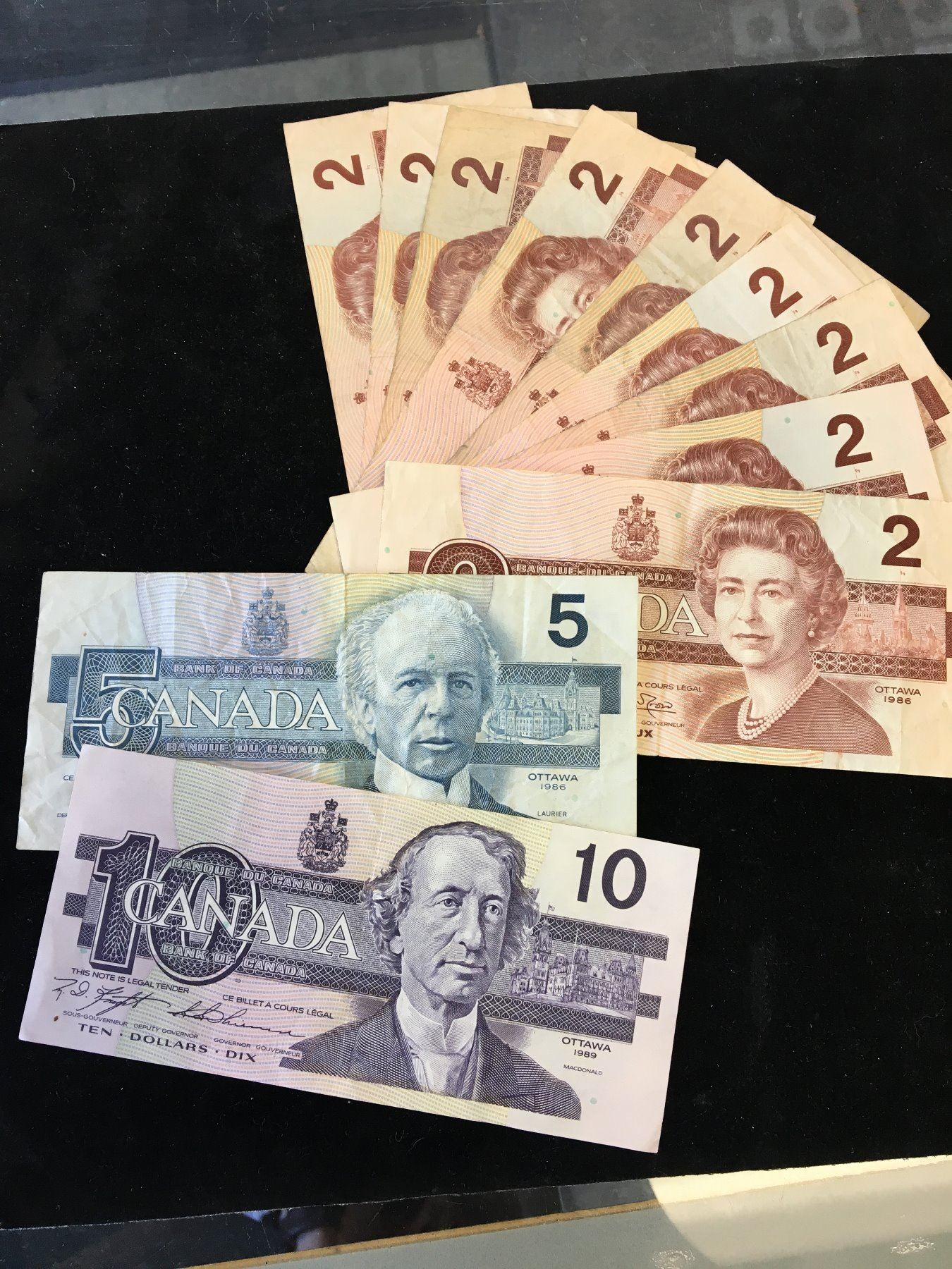1986 CANADA BANKNOTE LOT OF $33 FACE VALUE