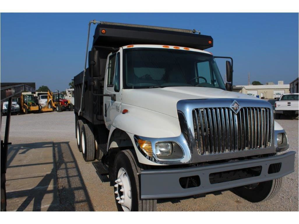 2006 INTERNATIONAL 7400 Dump Truck, VIN/SN:1HTWHAAR96J347032 - T/A, 7 6L  260 HP Int  DT466 engine, A