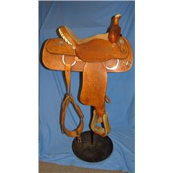 """Crates 14"""" roper, dble rigged, saddle is like new"""