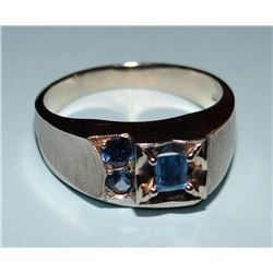 Yogo Sapphire men's ring, 3 Yogos, 1 emerald cut, 3.9 mm x 4.6 mm, and 2 rd brilliant cut, 3.3 mm ea
