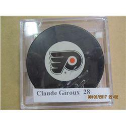 Claude Giroux 28 autograhed hockey puck